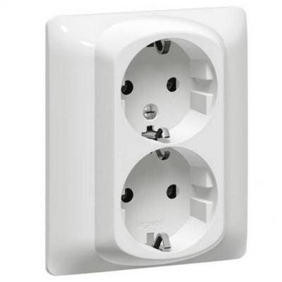 Розетка двойная электрическая Legrand Galea Life, с заземлением (белая)