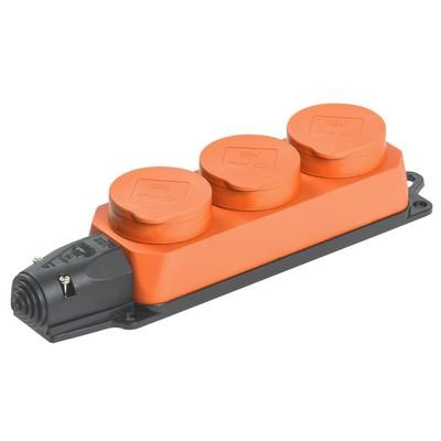 Розетка каучуковая тройная с крышками оранжевая 3х2P+E, 16А, 250В, IP44, РБ33-1-0м, ИЭК Омега